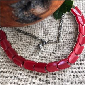 Lisner VTG Cherry Red Thermoset Necklace